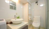 Maki Cottage Bathroom | Hakuba, Nagano | Ministry of Chalets