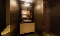 Phoenix Chalets 2br Bathroom   Hakuba, Nagano   Ministry of Chalets