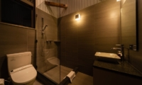 Phoenix Chalets 3br En-suite Bathroom | Hakuba, Nagano | Ministry of Chalets