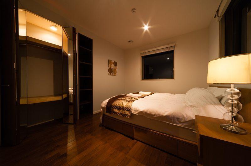 Phoenix Chalets 3br Master Bedroom | Hakuba, Nagano | Ministry of Chalets