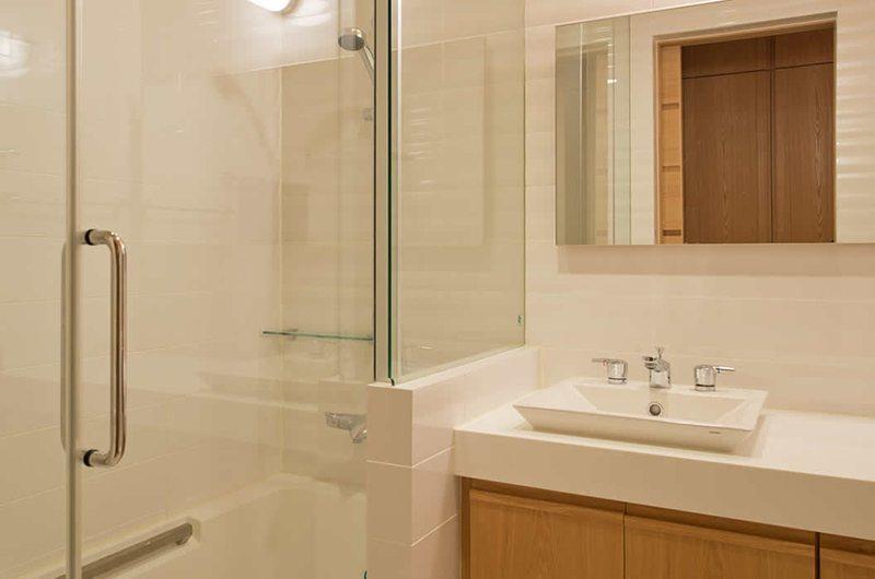 Akari En-suite Bathroom | Hirafu, Niseko | Ministry of Chalets