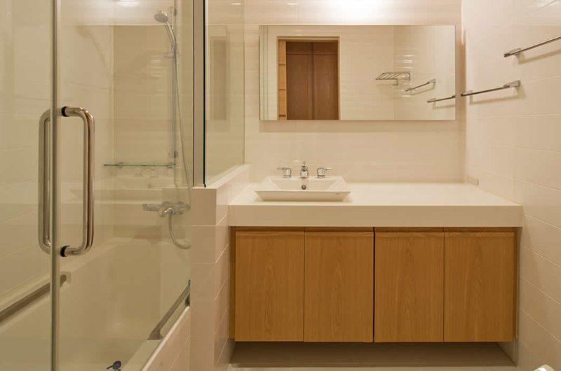 Akari Guest Bathroom | Hirafu, Niseko | Ministry of Chalets