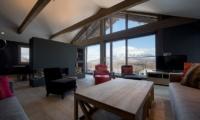 Akatsuki Living Room | Middle Hirafu Village, Niseko | Ministry of Chalets