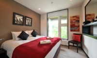 Big Valley Bedroom with Seating | Hirafu, Niseko | Ministry of Chalets