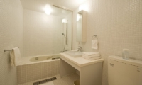 Birch Grove Bathroom | Lower Hirafu Village, Niseko | Ministry of Chalets