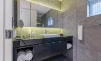 Boheme En-suite Bathroom   Hirafu, Niseko   Ministry of Chalets