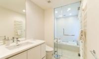 Forest Estate Master Bathroom | Middle Hirafu Village, Niseko | Ministry of Chalets