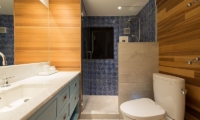 Gustav's Hideaway Guest Bathroom | Lower Hirafu Village, Niseko | Ministry of Chalets