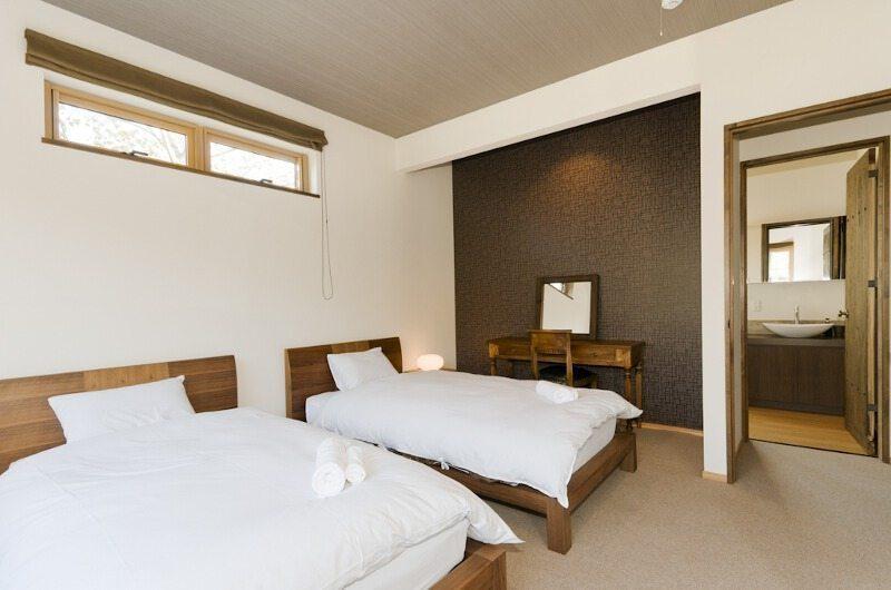 Hana & Jo Twin Beds | Hirafu Izumikyo 2, Niseko | Ministry of Chalets