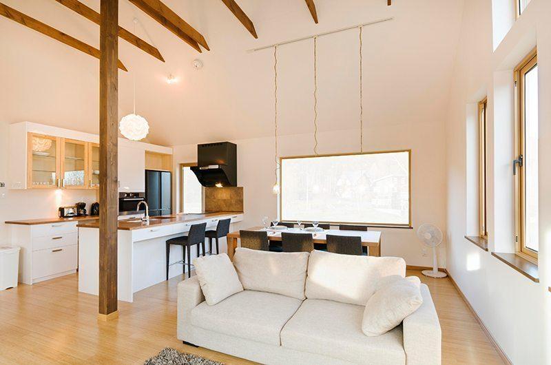 Hana & Jo Living And Dining Pavilion | Hirafu Izumikyo 2, Niseko | Ministry of Chalets