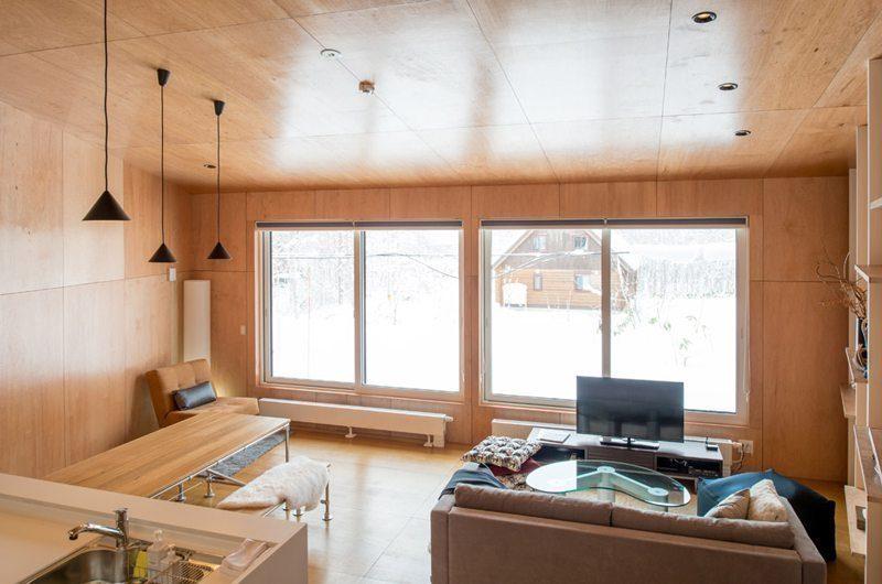 Heiwa Lodge Living Area | St Moritz, Niseko | Ministry of Chalets