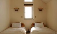 Jurin Cottage Twin Bedroom | Hirafu Izumikyo 1, Niseko | Ministry of Chalets