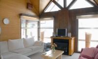 Jurin Cottage Lounge Area | Hirafu Izumikyo 1, Niseko | Ministry of Chalets