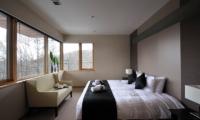 Kasetsu Bedroom with Seating   Hirafu, Niseko   Ministry of Chalets