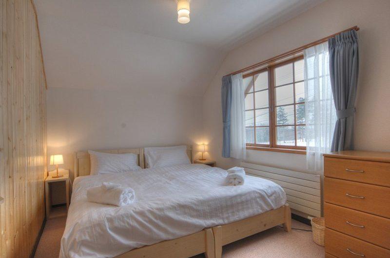 Kisetsu Bedroom View | Hirafu Izumikyo 1, Niseko | Ministry of Chalets