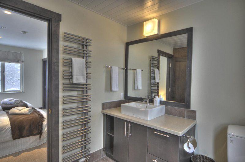 Konayuki Bathroom | Hirafu, Niseko | Ministry of Chalets