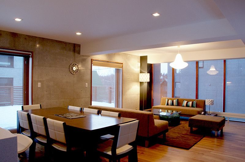 Kon M 3br Chalet Dining Room | Middle Hirafu Village, Niseko | Ministry of Chalets