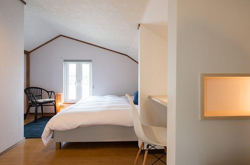 Kuma Cabin Bedroom with Seating | Hirafu, Niseko | Ministry of Chalets