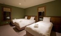 Latitude 42 Single Beds | Hirafu, Niseko | Ministry of Chalets