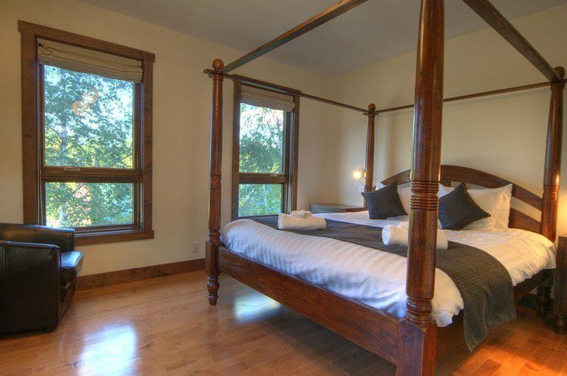 Mangetsu Lodge Master Bedroom | Hirafu Izumikyo 3, Niseko | Ministry of Chalets