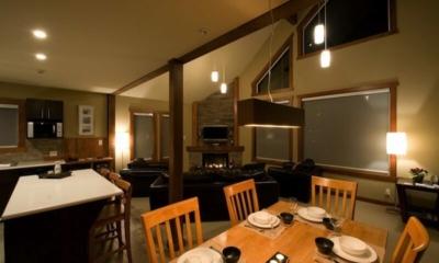 Niseko Creekside Dining Room | Hirafu Izumikyo 1, Niseko | Ministry of Chalets