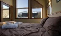 Niseko Creekside Bedroom | Hirafu Izumikyo 1, Niseko | Ministry of Chalets