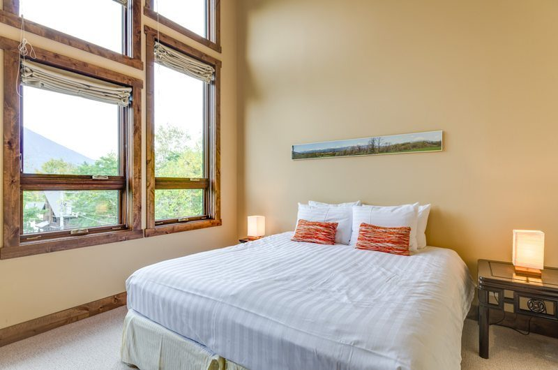 Old Man Creek Guest Bedroom | Hirafu Izumikyo 1, Niseko | Ministry of Chalets