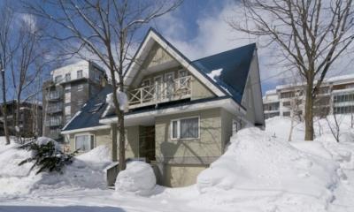 Powderhound Lodge Outdoor View | Upper Hirafu Village, Niseko | Ministry of Chalets
