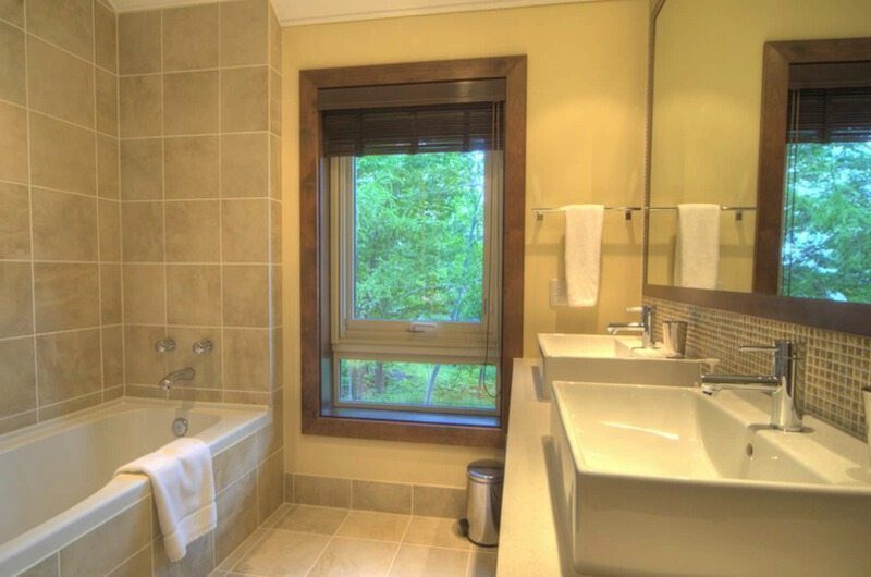 Shika Bathroom | Hirafu Izumikyo 1, Niseko | Ministry of Chalets