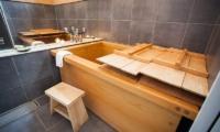 Tamo Japanese Hinoki Bathtub | Hirafu, Niseko | Ministry of Chalets