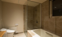 The Orchards Niseko Guest Bathroom | Hirafu, Niseko | Ministry of Chalets