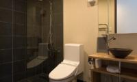 The Orchards Niseko Akagashi Bathroom One | St Moritz, Niseko | Ministry of Chalets