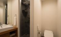 The Orchards Niseko Hinoki Bathroom | St Moritz, Niseko | Ministry of Chalets