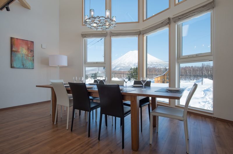 The Orchards Niseko Kuromatsu Dining Area | St Moritz, Niseko | Ministry of Chalets
