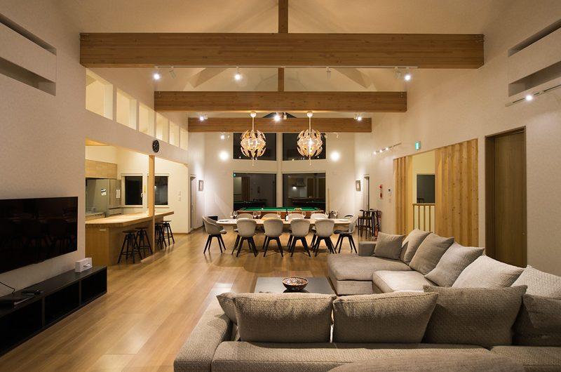 The Orchards Niseko Sawara Indoor Living and Dining Area | St Moritz, Niseko | Ministry of Chalets