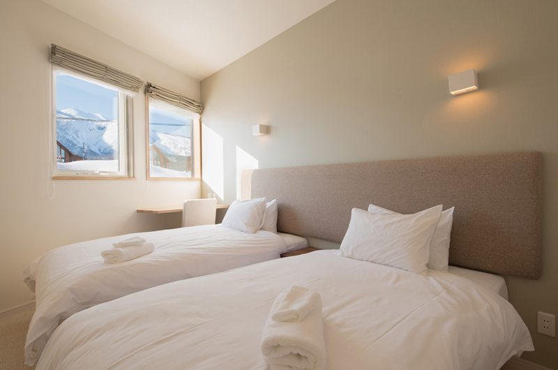 The Orchards Niseko Shion Twin Bedroom | St Moritz, Niseko | Ministry of Chalets