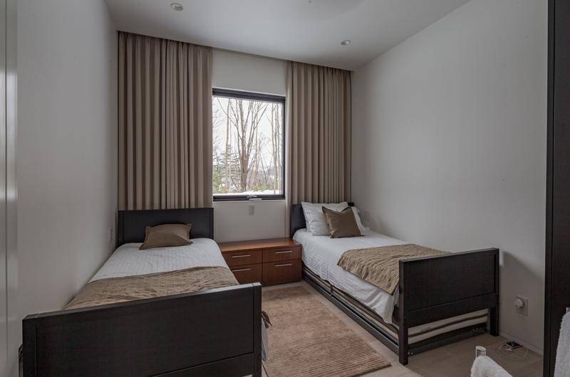 Yanagi House Twin Bedroom | Hokkaido, Niseko | Ministry of Chalets