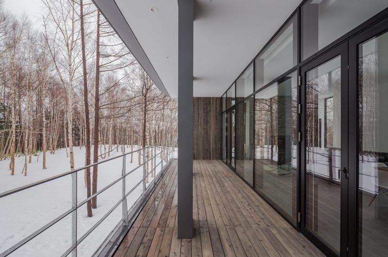 Yanagi House Verandah | Hokkaido, Niseko | Ministry of Chalets