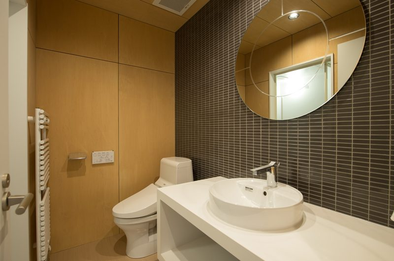 Yorokobi Lodge Bathroom | Hirafu, Niseko | Ministry of Chalets