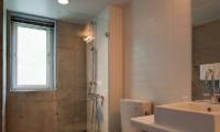 Yuki Uchi Bathroom | Hirafu, Niseko | Ministry of Chalets
