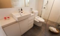 Yutaka Townhouses Bathroom | Middle Hirafu Village, Niseko | Ministry of Chalets