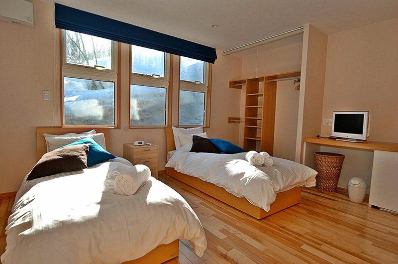 Casi 67 West Twin Bedroom with TV | Hirafu, Niseko | Ministry of Chalets