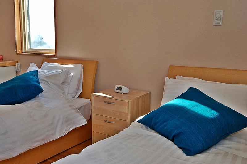 Casi 67 West Twin Bedroom Area | Hirafu, Niseko | Ministry of Chalets