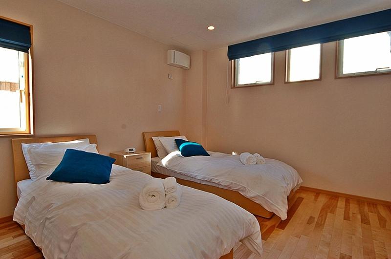 Casi 67 West Twin Bedroom | Hirafu, Niseko | Ministry of Chalets