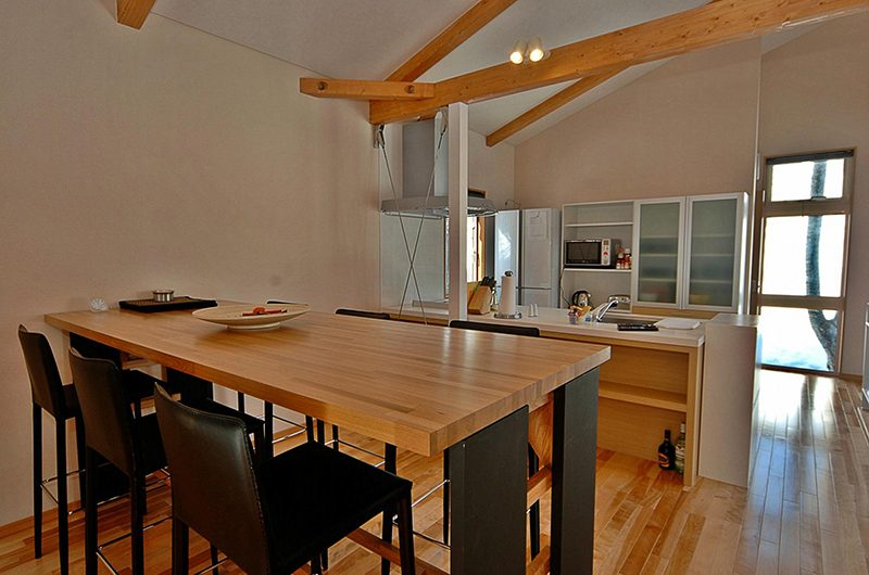 Casi 67 West Dining Table | Hirafu, Niseko | Ministry of Chalets