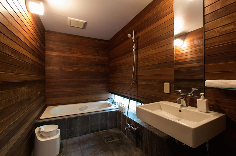 Sekka Ni Sekka Ni 1 Bathroom | Hirafu, Niseko | Ministry of Chalets