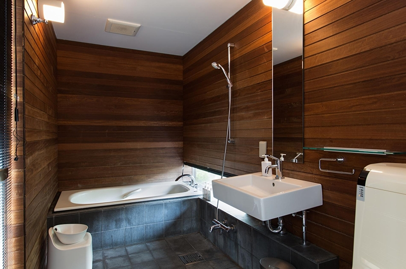 Sekka Ni Sekka Ni 2 Bathroom | Hirafu, Niseko | Ministry of Chalets